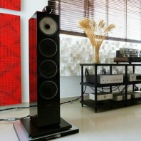 BOWERS & WILKINS 702 S2 (цвет - черный Gloss Black) Напольная 3-х полосная акустика